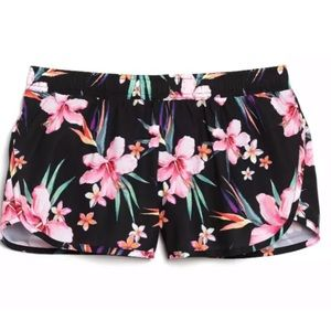Old Navy Active Semi Fitted Floral Lined Shorts